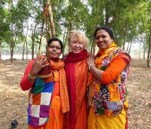 24bb Baul women and Vijali